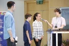 Auf der Bühne: Loopmotor in Aktion mit Kindern aus dem Publikum
