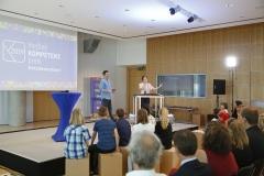 Musikalische Begleitung Loopmotor und Moderator Tim Wiese