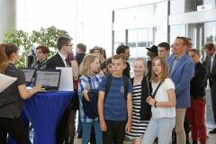 Die Warteschlange vor dem Einlass zur Verleihung des Medienkompetenzpreises Mitteldeutschland 2019